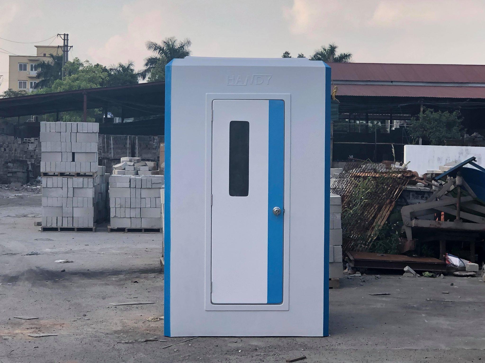 Bán nhà vệ sinh di động kiêm phòng tắm được trang bị cả bình nước nóng