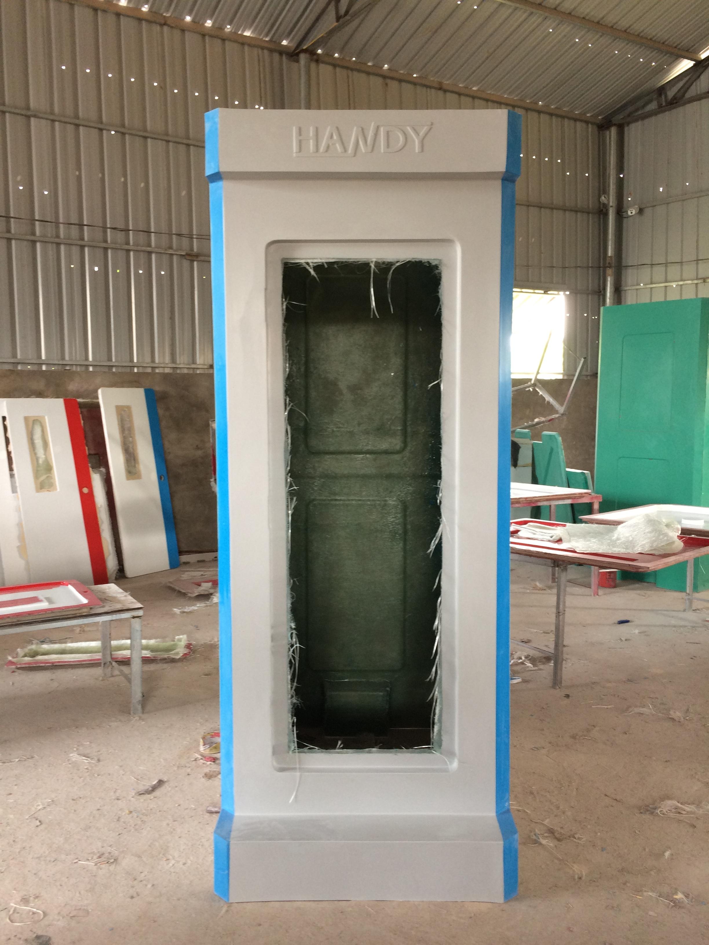 Vỏ nhà vệ sinh đúc liền khối