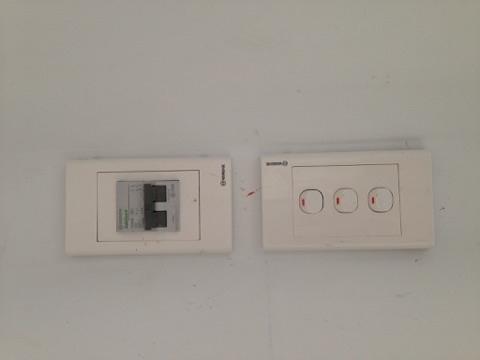 Hệ thống điện có attomat an toàn