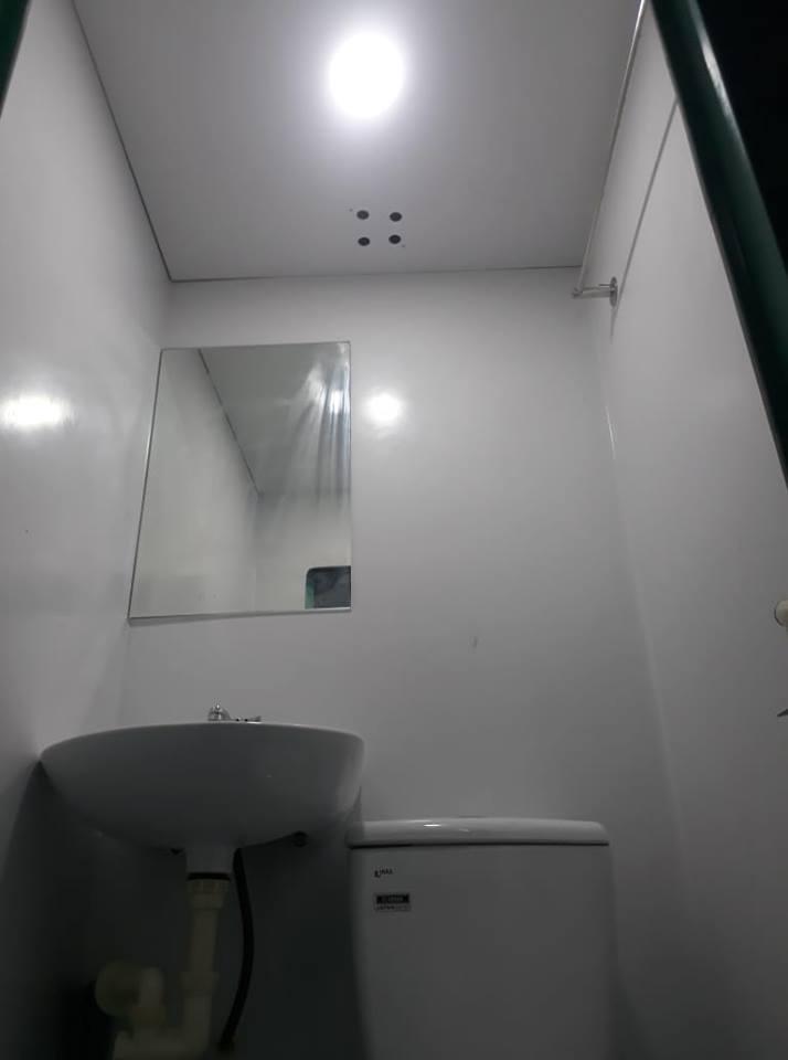 Gương Bỉ, phụ kiện inox, bàn cầu và lavabo Inax