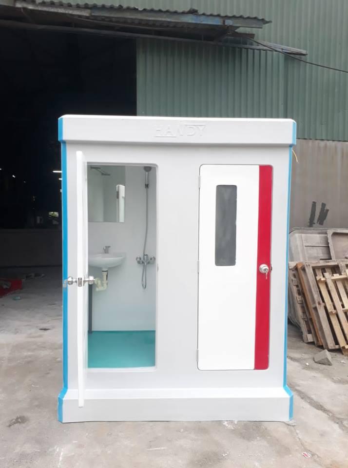 Nhà vệ sinh di động có phòng tắm