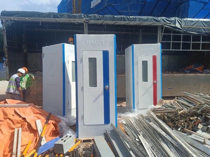 Nhà vệ sinh công cộng bằng FRP tại công trường